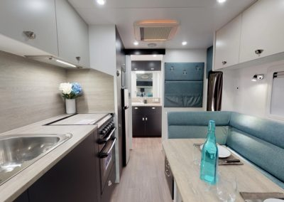 LOW RES 2019 LUXE 660 CLW INT1